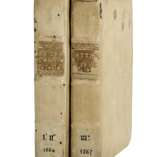 Lettere volgari di diversi nobilissimi huomini, et eccellentissimi ingegni, scritte in diverse materie, con la giunta del terzo libro, nuovamente ristampate, et in più luoghi corrette. Libro primo [-secondo].(And:) MANUZIO, Paolo (1512-1574) & MANUZIO, A