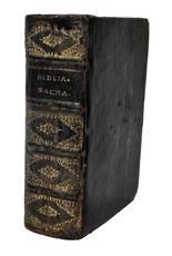 vulgatae editionis Sixti 5. pont. max. jussu recognita, et Clementis 8. auctoritate edita, versiculis distincta, et ad singula capita argumentis aucta, indiceque epistolarum, & evangeliorum locupletata
