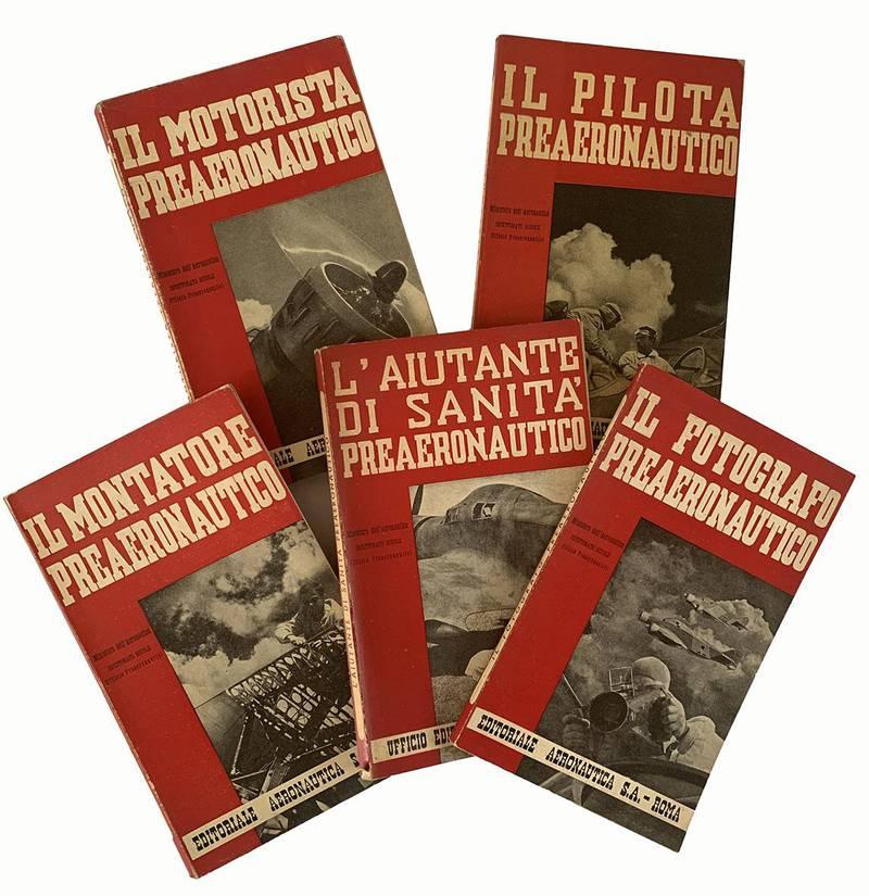 Lotto di cinque manuali per l'istruzione premilitare specializzata.
